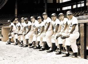 1954 Brooklyn Dodgers, Jackie Robinson fourth from left, Carl Erskine, end right