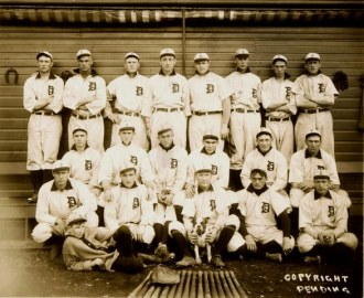 1909 Tigers. O'Leary is far right, bottom row. Jennings is at center of bottom row holding dog.