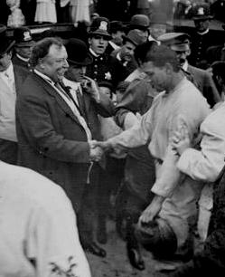 """President Taft meets Giants catcher John """"Chief"""" Meyers after the game in Chicago"""